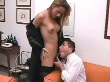 Shemale and her boss suck in office