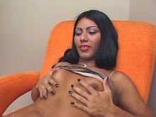Raven head tranny enjoying oral sex